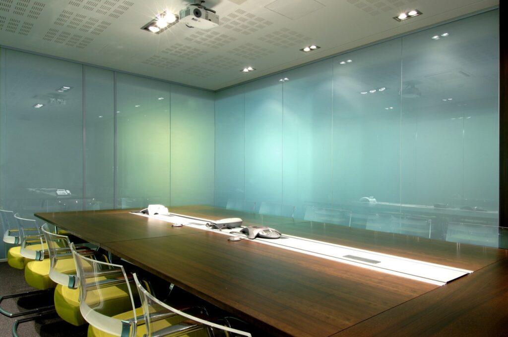 Cмарт стекло и его разновидности; основные преимущества